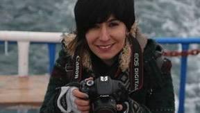 Die 28-jährige Hülya Emeç sitzt seit zwei Wochen am Flughafen Zürich fest.