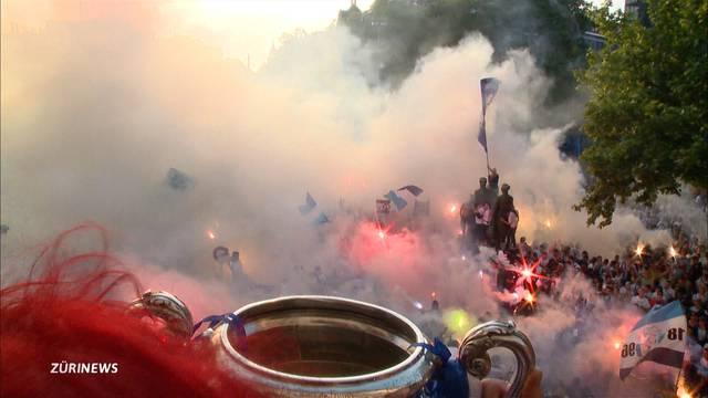 Ausgelassene Cup-Party für den FCZ auf dem Helvetiaplatz