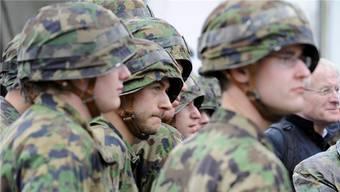Für Wehrpflichtige ist es in einem stressigeren Arbeitsalltag immer schwieriger geworden, den normalen Dienst noch zu leisten.