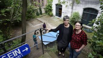 Die Theologin Monika Hungerbühler (links) und die Projektmanagerin Nicole Schwarz leiten das Projekt «Da-Sein» der Offenen Kirche Elisabethen.