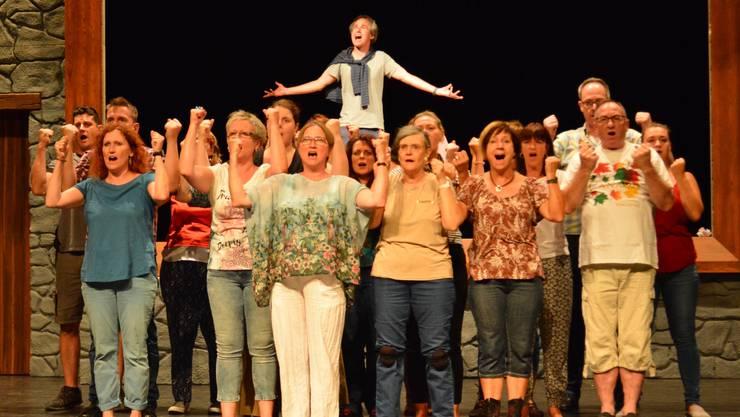 Die Trimbacher Musicalgruppe feilt bis zur Premiere am 1. September intensiv an Schauspiel und Choreografien.