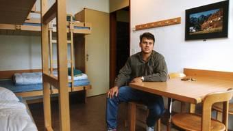 Blick in ein Zimmer einer Jugendherberge