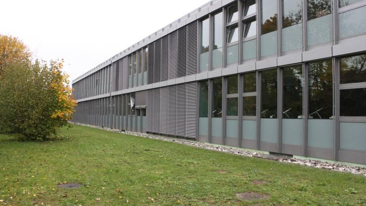 Das Schulhaus Kaselfeld Bellach ist eines der Schulhäuser der gemeinsamen Schule. (Archiv)