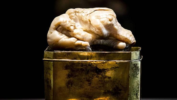 """Die Perle """"Schlafender Löwe"""" ist für 320'000 Euro versteigert worden."""