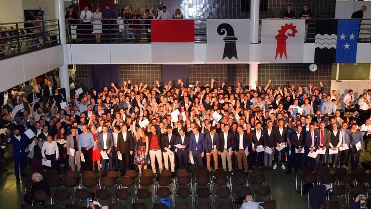 FHNW-Absolventen im Bereich Technik konnten ihre Diplome abholen.