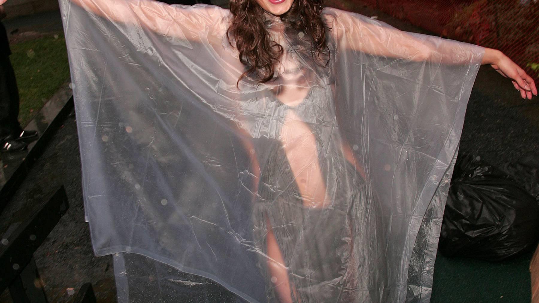 Auch das Model Elizabeth Jagger weiss: Es gibt kein schlechtes Wetter. Nur falsche Kleidung.