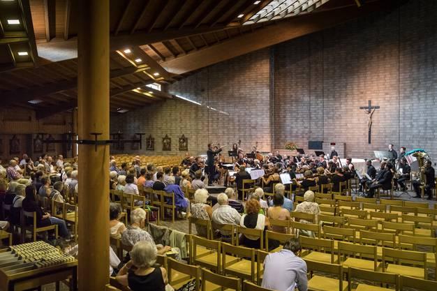 Der Orchesterverein Niederamt in der Kirch St. Wendelin in Dulliken.