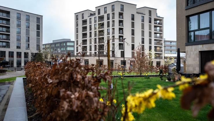 Ein Industrieareal wurde in ein kleines Stück Stadt mit Wohnungen, Büros und Restaurants verwandelt: das Aeschbachquartier in Aarau.