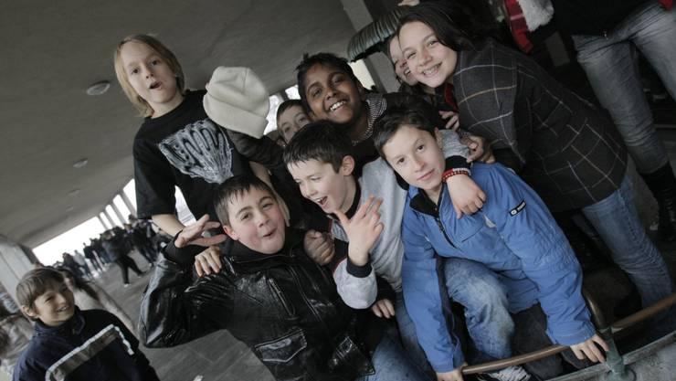 Vorreiterrolle: Das Schulhaus Waidhalde führte als erstes in Zürich Konfliktlotsen ein. (Foto: Balz Murer)