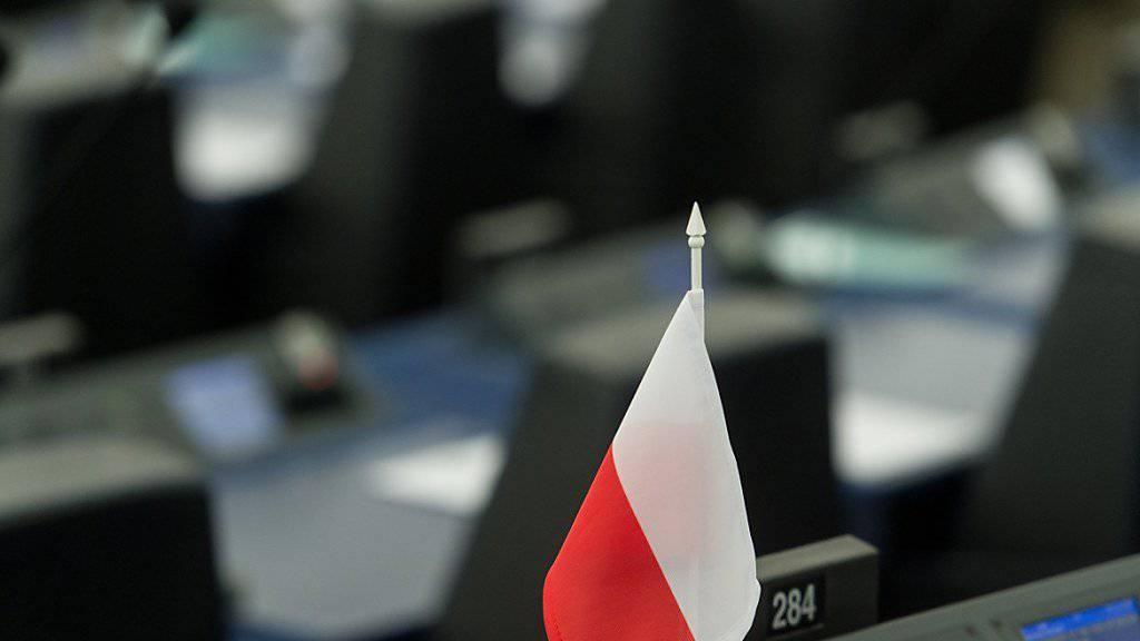 Polen droht Mitwirkungsrechte in der EU zu verlieren - die Kommission hat ein Verfahren gegen das Land eingeleitet wegen Gefährdung von Grundwerten der EU. (Archiv)