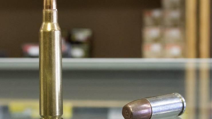 Finanzierung verbieten: Die GSoA sagt Waffen und anderem Kriegsmaterial erneut den Kampf an. (Symbolbild)