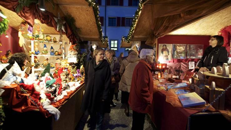 Soll grösser – aber ebenso besinnlich sein wie der Adventsmarkt im Klostergarten (im Bild): der neue Markt in der Altstadt. (Archiv)