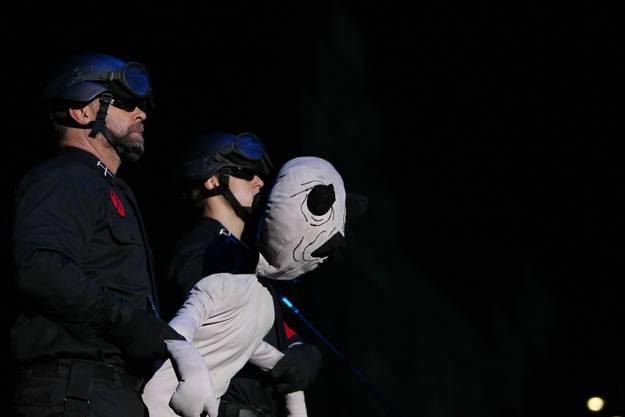 In der spektakulären Show waren auch Puppen dabei