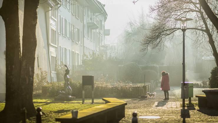 Die Lenzburger möchten, dass ihre Stadt noch grüner wird: Hier der Grabenweg südlich der Altstadt.