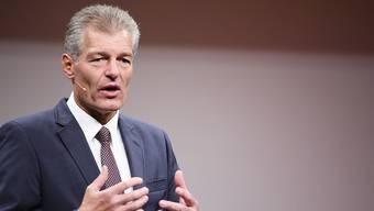 """Heinz Karrer, der Präsident von economiesuisse, bekämpft die Initiative """"Grüne Wirtschaft"""". Er warnt vor einem Kahlschlag. (Archivbild)"""