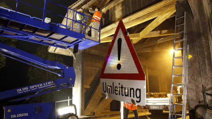 Ein Baufahrzeug war im Sommer in das Brückenportal gerast