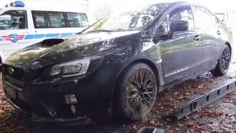 Der Fahrer kam mit dem Schrecken davon. Warum geriet er mit seinem Subaru von der Strasse ab?