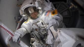 Für eine Handvoll Personen könnte ein Traum wahr werden: Die Nasa rekrutiert derzeit Astronauten-Lehrlinge. Voraussetzung ist die US-Staatsbürgerschaft. Bild: Nasa-Astronautin Christina Koch (Archivbild)