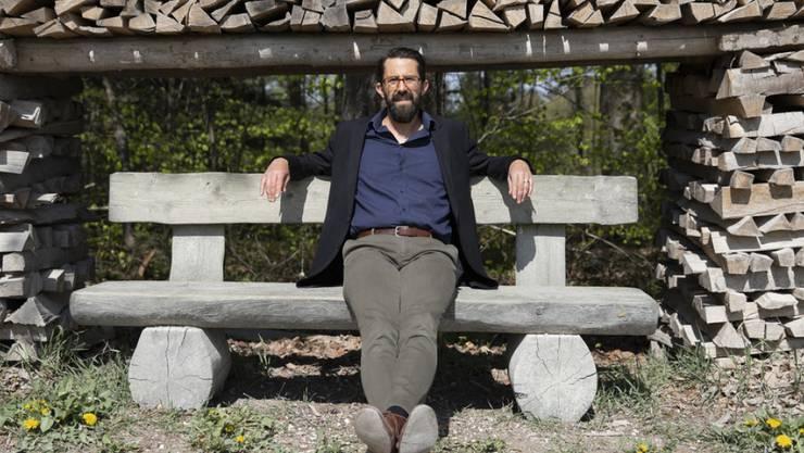 """Der Zürcher Verleger André Gstettenhofer hat mit """"Mutter aller Schweine"""" einen Debütroman in sein Frühjahrsprogramm aufgenommen, der mit einem vielschichtigen Blick auf das heutige Jordanien überrascht."""
