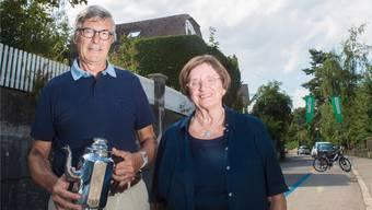 Pioniere des Quartierfests: Evi Bamert, Mitwirkende der ersten Stunde,und Frank Schneider, aktueller «Tätschmeischter».