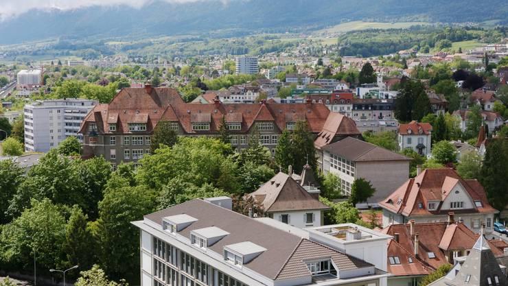 Die Tage der bisherigen Turnhalle neben dem wesentlich älteren «Hemmli»-Schulhaus sind gezählt.