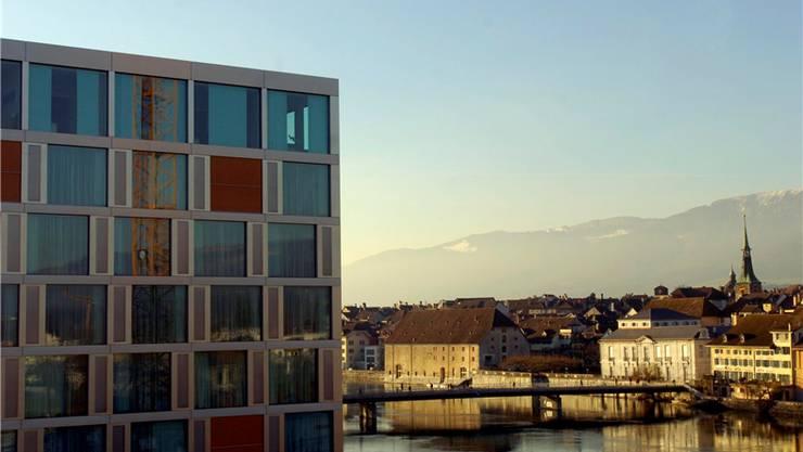 Mit fast 90'000 Übernachtungen liegt Solothurn an der Spitze. Dort führte die Eröffnung des «Ramada» (im Bild) 2006 zu «einem Quantensprung», blickt Tourismusdirektor Jürgen Hofer zurück.