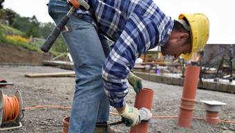 Auf Baustellen kommt es immer wieder zu Lohndumping (Symbolbild).