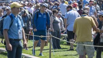 Nick Alpiger ist nur noch Zuschauer und geht an Krücken.