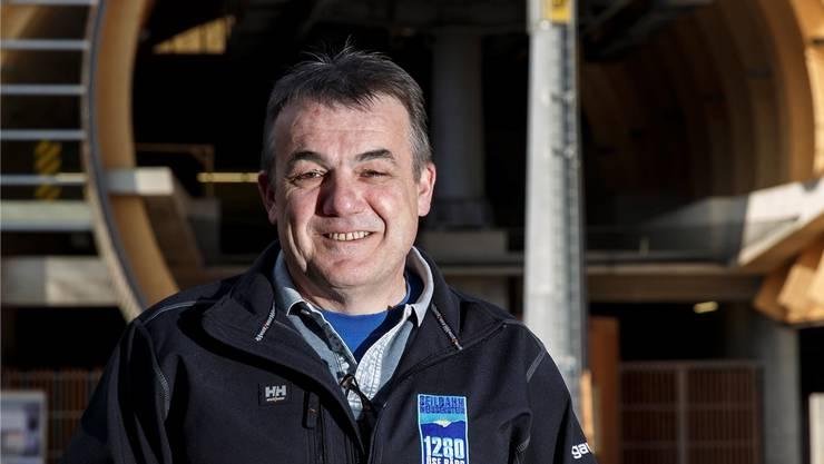Der 54-Jährige ist Geschäftsführer und technischer Verantwortlicher der Seilbahn.