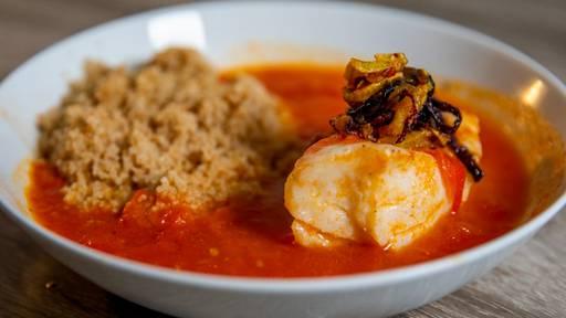 Pochierter Kabeljau an Tomaten-Fischsauce von Taulant