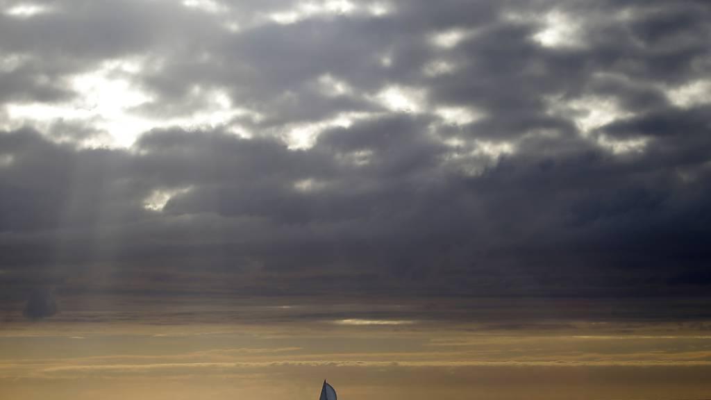 Quecksilber gelangt gemäss einer neuen Studie durch Regen und Gasaustausch zu gleichen Anteilen in die Meere. (Themenbild)