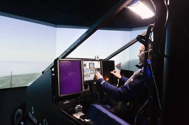 Das Cockpit misst nur gerade 4.3 Kubikmeter.