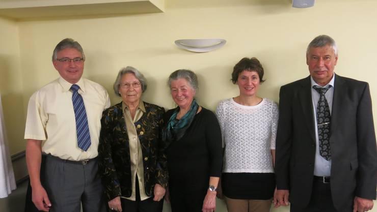 Die Geehrten (v.l.n.r.): Renato Frangi, Theres Fink, Luisa Strähl, Jacqueline Gribi und Heini Allemann (Text und Foto: ufw).