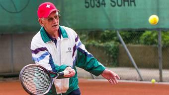 Max Nägelin steht fünf Mal pro Woche auf dem Court.