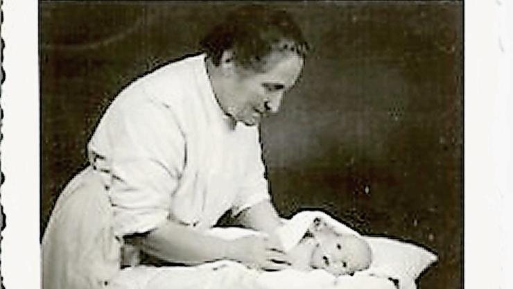 Elsie Wirz hat über 4000 Kindern auf die Welt geholfen.