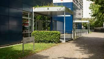 Die Versorgung der Turnhalle Liebrüti in Kaiseraugst sorgte für Diskussionen.