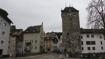 Begegnungszone Altstadt: Die Alte Aarebrücke soll laut SVP für den motorisierten Verkehr wieder geöffnet werden. cm