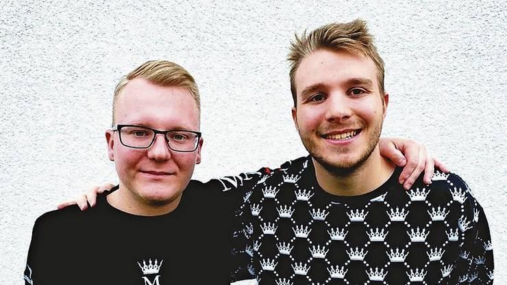 Stephan Wernli (links) und Nico Staub interessierten sich bereits als Kinder für die Modewelt. Jetzt haben sie ihre eigene Firma.