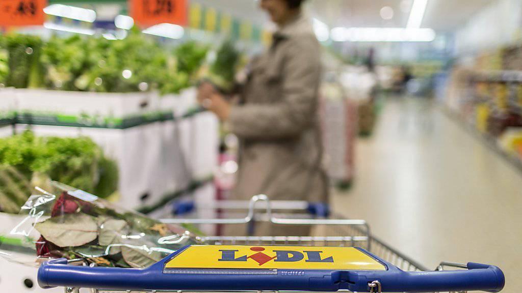 Lidl legte mit 9 Prozent mehr Umsatz im letzten Jahr am meisten zu. Damit halten die beiden deutschen Discounter Aldi Suisse und Lidl zusammen einen Marktanteil von 2,8 Prozent. (Archiv)