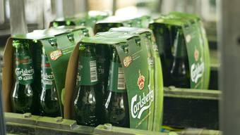 Carlsberg sieht sich mit einer Anzeige beim Preisüberwacher konfrontiert (Archiv)