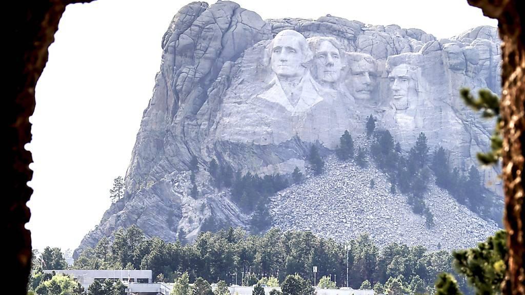 US-Präsident Donald Trump ist anlässlich des Independence Day zum Mount Rushmore National Monument aufgebrochen. Erwartet werden 7500 Besucherinnen und Besucher. (Archivbild)