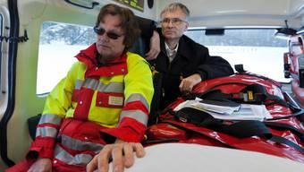 Gefragtes Personal: Rettungssanitäter im Einsatz.Keystone
