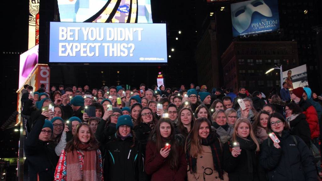 Der Cantichor am Times Square in New York.