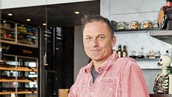 Stefan Bütikofer weiss nicht, ob er seine Rossini Bar & Lounge noch kostendeckend führen kann. Ihm fehlen 50 Prozent des Umsatzes.