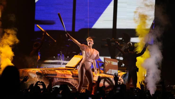 Rihanna im ausverkauften Hallenstadion