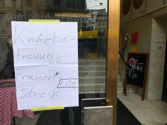 Für Streikteilnehmende gibts in Basel eine Kita im «Unternehmen Mitte».