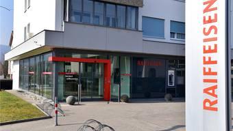 Die Raiffeisenbank in Däniken wurde Anfang April 2018 überfallen. (Archivbild)