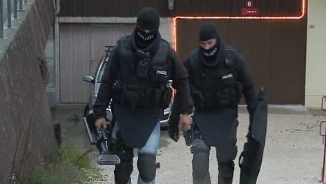 Sondereinheit verhaftet Querulanten