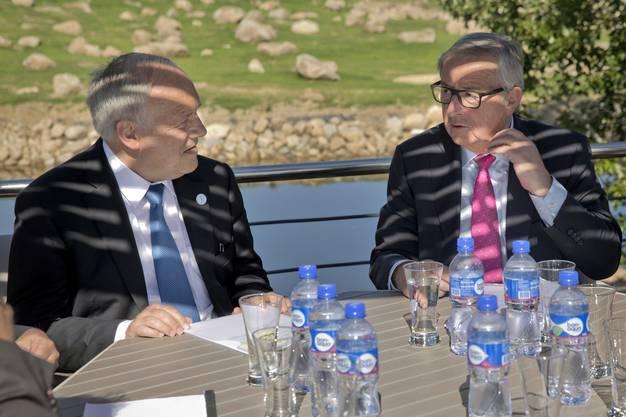 2016: Es ging politisch drunter und drüber und trotzdem blieb Juncker in Kontakt mit der Schweiz. Hier mit Bundespräsident Johann Schneider-Ammann am Rande des G20-Gipfel in der mongolischen Wüste von Ulan Baator im Juli 2016.