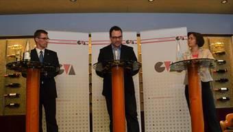 Lukas Pfisterer, Moderator Noel Graber und Lotty Fehlmann an der vom Gewerbeverband organisierten Podiumsdiskussion.